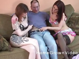 Two tattooed busty MILF babes tract a cock helter-skelter a threesome