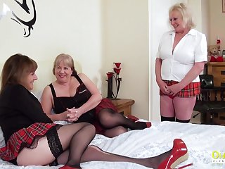 Older more experienced mature women arrange a trio