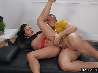 Sponger fucks tight Asian woman so steadfast that she wants to swallow