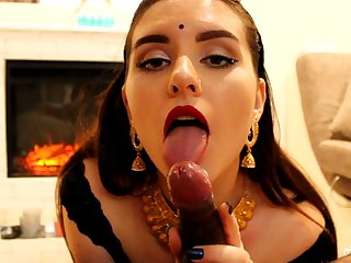 Indian young lady blows ebony wiener