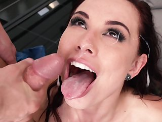 Messy facial be incumbent on pornstar Aidra Beelzebub after having crazy sex