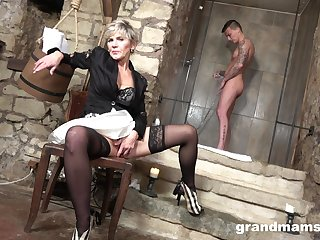 Cum-thirsty mommy gives a blowjob with young handsome cadger