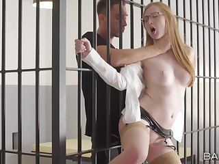 Sexy Linda Dear gives a jailed man an intimate release