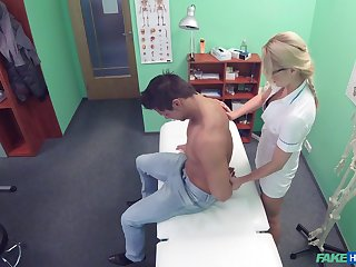 Proximal cam gem wide the female doctor fucking a specimen