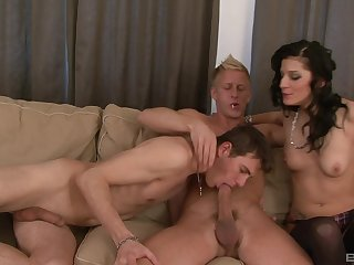 Filthy bisexual dudes have sex till the end be incumbent on time other added to sopping pussy be incumbent on a cutie