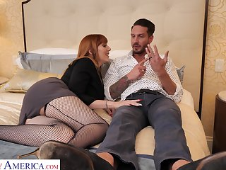 Passionate fucking on along to bed with blistering housewife Lauren Phillips