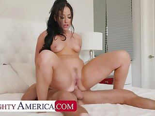 NAUGHTY AMERICA Jennifer ashen gets fucked wide the ass by her friend's costs